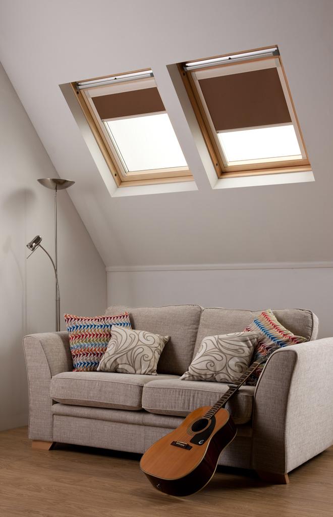 stores fen tre de toit sur mesure store fenetre de. Black Bedroom Furniture Sets. Home Design Ideas